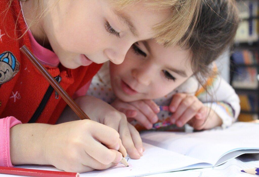 Colocar limites em crianças pequenas: um grande desafio para os pais